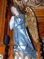 St.Oswald - Hochaltar Betender Engel vor Eucharistie 1.jpg