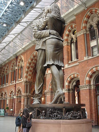 St Pancras railway station - Paul Day's sculpture The Meeting Place