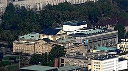 Staatsthetaer Stuttgart vom Fernsehturm.jpg