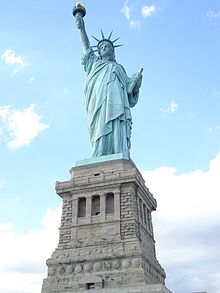 SuperRasso 2012 220px-Statue_of_Liberty_2