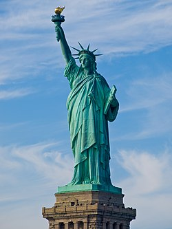 [Imagem: 250px-Statue_of_Liberty_2007.jpg]