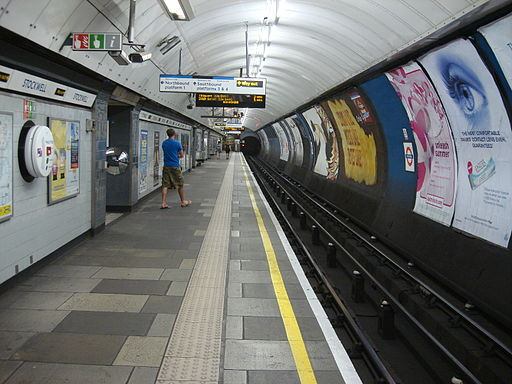 Stockwell tube station 1