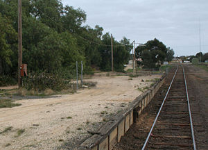 Strathmerton railway station - Station platform looking south