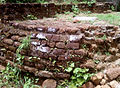 Stupa ruins at Gurubhaktulakonda 01.jpg