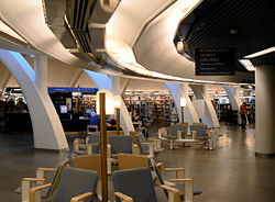 Kirjaston pääsali.