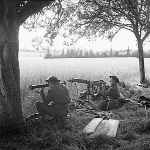 Audrieu - British soldiers in Audrieu on 13 June 1944
