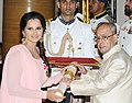 The President, Shri Pranab Mukherjee presenting the Padma Bhushan Award to Sania Mirza, at a Civil Investiture Ceremony, at Rashtrapati Bhavan, in New Delhi on April 12, 2016.jpg