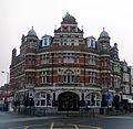 The Salisbury Hotel, Harringay Green Lanes - panoramio.jpg