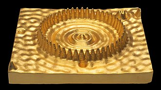 "Quantum mirage - The Well (Quantum Corral) (2009) by Julian Voss-Andreae. Created using the 1993 experimental data by Lutz et al., the gilded sculpture was pictured in a 2009 review of the art exhibition ""Quantum Objects"" in the journal Nature."