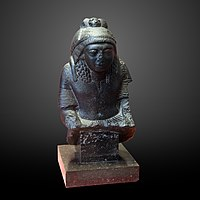 Thot as baboon protecting a general of Ramesses II-E 25398-IMG 8231-gradient.jpg