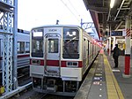Tobu 11434 at Tatebayashi Station.jpg