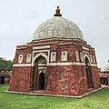 Tomb of Ghayasuddin Tughluq - Delhi.jpg