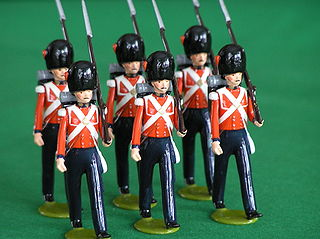 Toy soldier miniature figurine that represents a soldier
