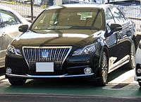 Toyota CROWN MAJESTA (S210) Front.JPG