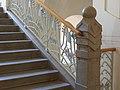 Treppe mit Geländer.jpg