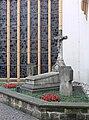 Trier St Gangolf Priestergräber.jpg
