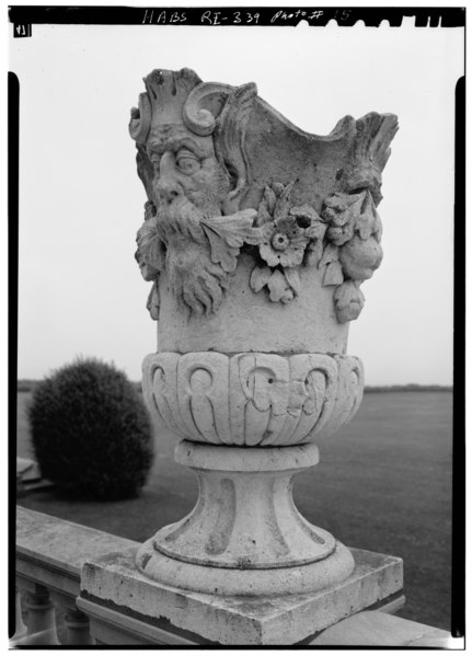 File:URN ON TERRACE BALUSTRADE - The Breakers, Ochre Point Avenue, Newport, Newport County, RI HABS RI,3-NEWP,67-15.tif