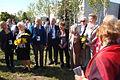 Uczestnicy uroczystości wręczenia nowych certyfikatów drzewek w Parku Ocalałych w Łodzi MZW DSC03429.jpg