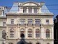 Universitate - 4 muze - sculptor Emil Wilhelm Becke.jpg
