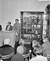 Veiling nalatenschap Lizzy Ansingh , het poppenhuis word verkocht, Bestanddeelnr 911-0611.jpg