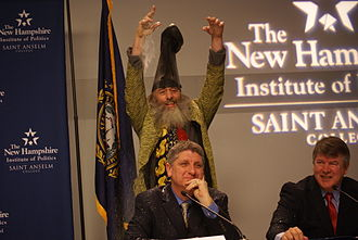 Randall Terry - Vermin Supreme glitterbombing Terry at the Lesser-Known Candidates Forum