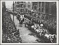 Verzicht van de intocht in Londen van het Victoria station naar Buckingham Palac, Bestanddeelnr 020-0521.jpg