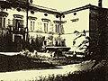 Villa Massimo - Foto della facciata del Casinonobile e della fontana(1900 circa).jpg