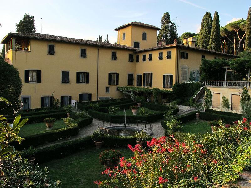 File:Villa sparta, ext., 13.JPG
