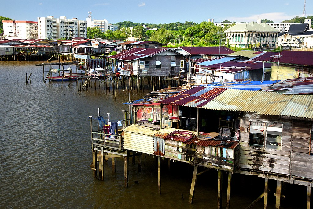How to go to Kampong Ayer, Brunei | Ummi Goes Where?