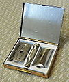 Vintage Gillette Razor Travel Set (11001503775).jpg