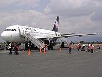Volaris A319 Toluca.jpg