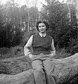 Woman, portrait, woods, trunk Fortepan 707.jpg