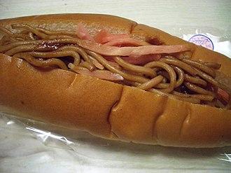 Yakisoba - Image: Yakisoba sandwich by kaex 0r