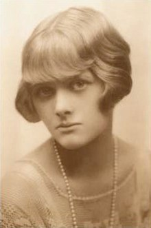 The young Daphne du Maurier (about 1930)