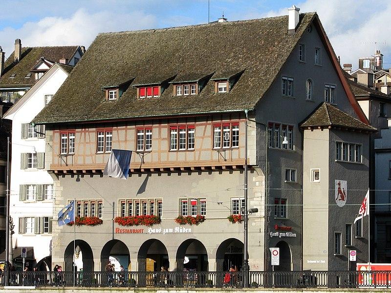 File:Zürich - Constaffel - Haus zum Rüden.jpg
