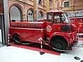 Zaragoza - Museo Bomberos - Camión autotanque Sava (1955) (04).jpg