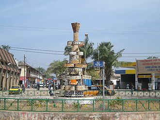 Ziguinchor - Place Jean-Paul II in the Escale neighborhood of Ziguinchor