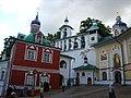 Ансамбль Псково-Печерского монастыря 001.JPG