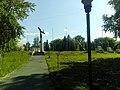 Вид на памятник из ЦПКиО им. Свердлова.jpg