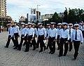Курсанти під час урочистого проходження вшановують ветеранів (27097710172).jpg