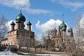 Храмовый комплекс в Коровниках, в лучах весеннего солнца.jpg