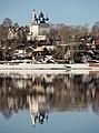 Церковь Успения Божией Матери, берег Волги и мартовские отражения.jpg
