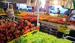 שוק האיכרים בנמל תל אביב.jpg