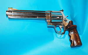 Smith & Wesson Model 460 - Image: .460 S&W customisé 'wiki