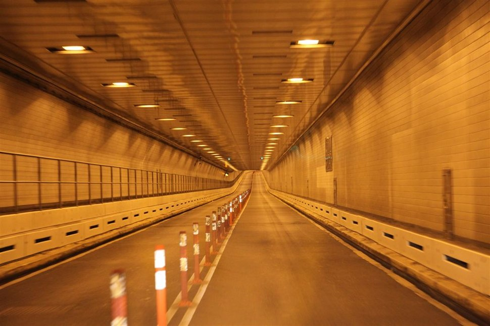 04. Battery Tunnel Empty (8135057322)
