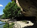 081 Sant Miquel del Fai, bassa sota la balma, vora l'estany.JPG