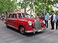 094 Fira Modernista de Terrassa, desfilada de cotxes d'època a la Rambla.JPG