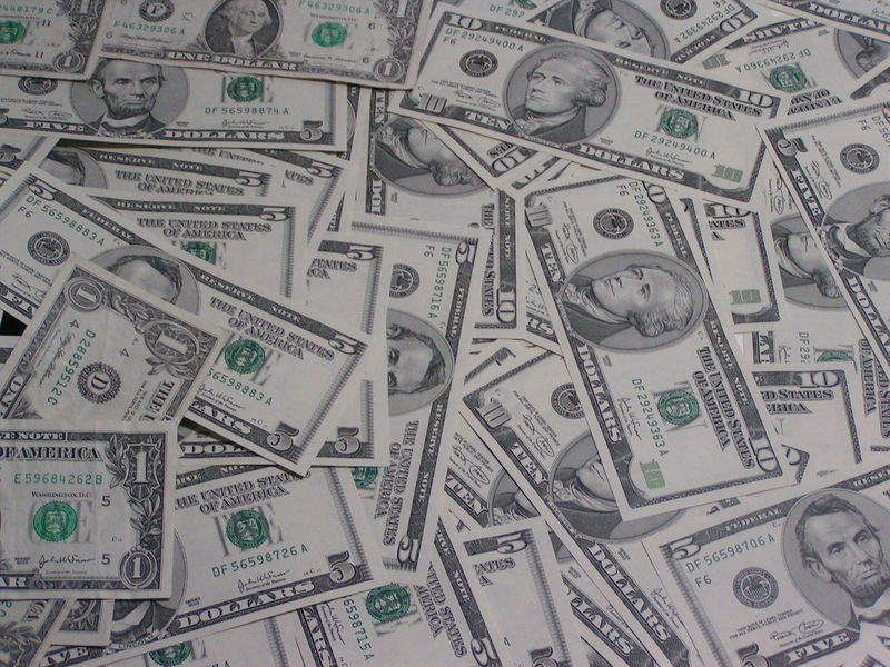 File:1,5 und 10 Dollarnoten.jpg
