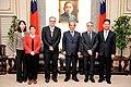 1041224院長接見法國在台協會主任紀博偉 201601041715590 L.jpg