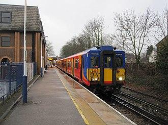 Shepperton railway station - Image: 18.02.12 Shepperton 455.850 (6898797117)